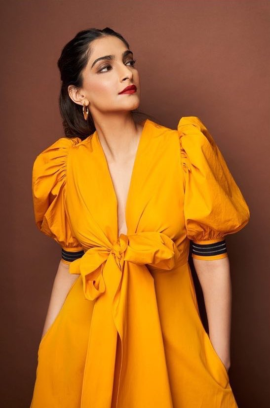 sonam kapoor latest pictures HD 2019 Download